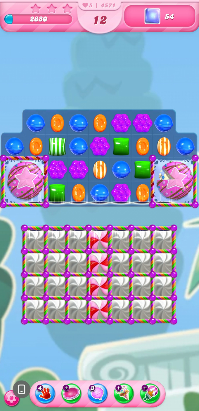 Screenshot_20210414-201453_Candy Crush Saga.jpg