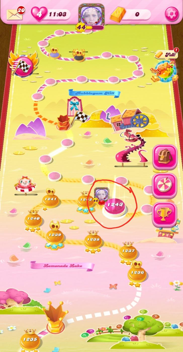 Screenshot_20200529-124231_Candy Crush Saga.jpg