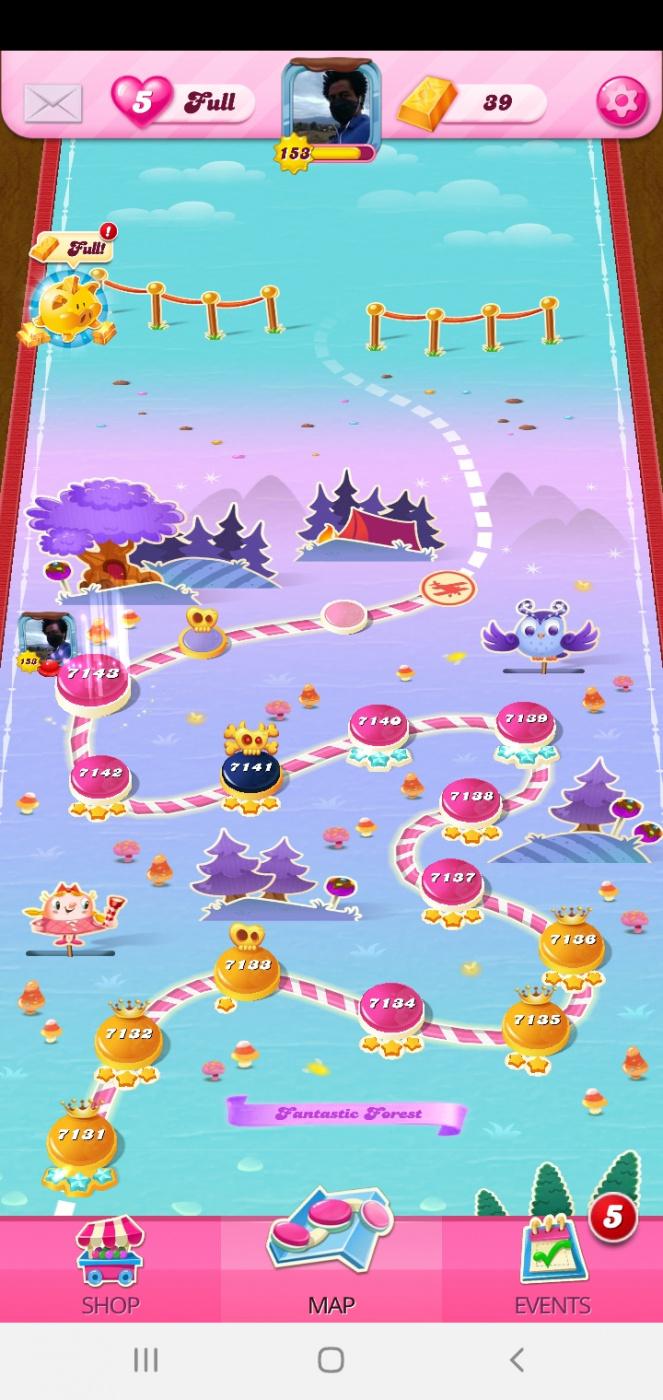 Screenshot_20200615-020620_Candy Crush Saga.jpg
