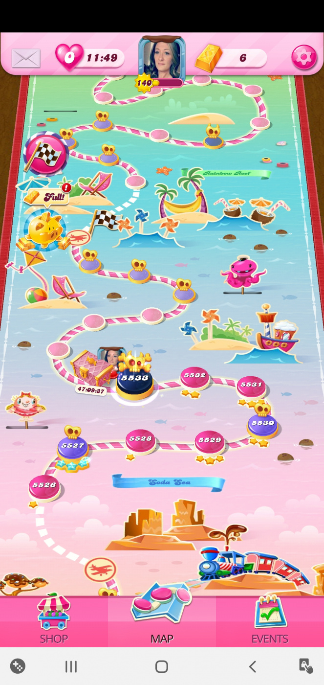 Screenshot_20200811-025023_Candy Crush Saga.jpg
