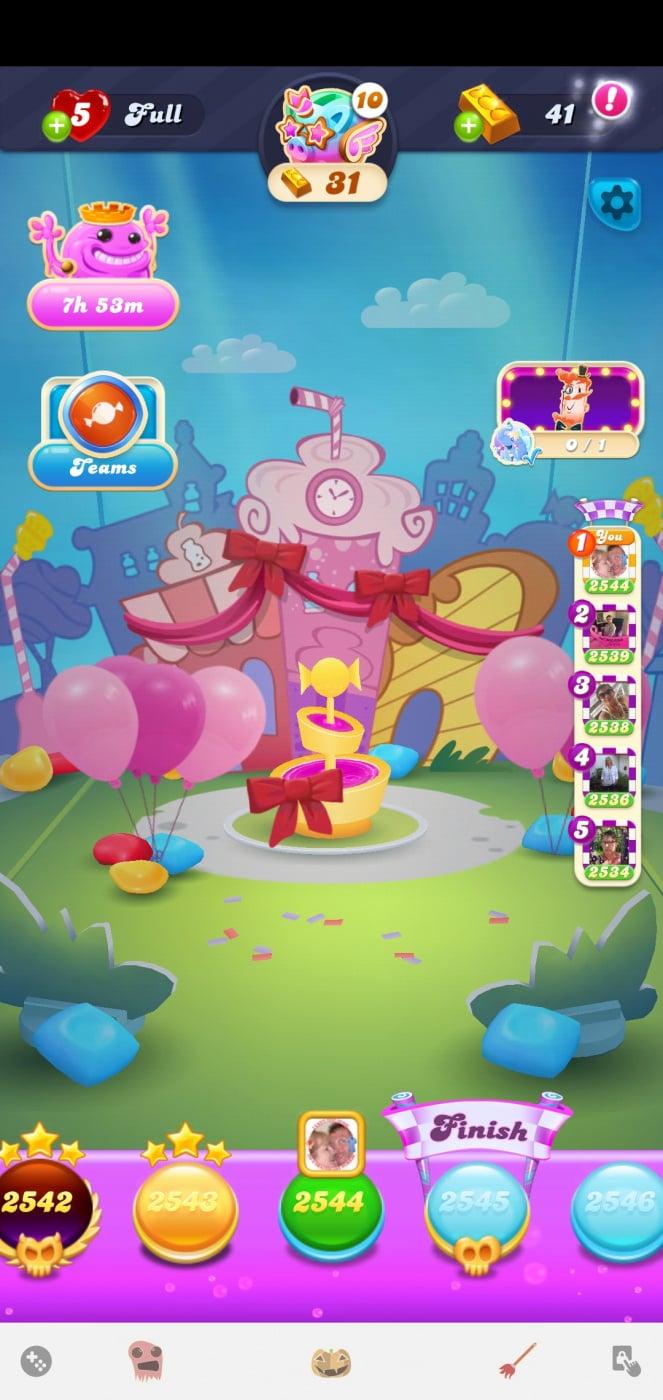 Screenshot_20201020-170617_Candy Crush Soda.jpg