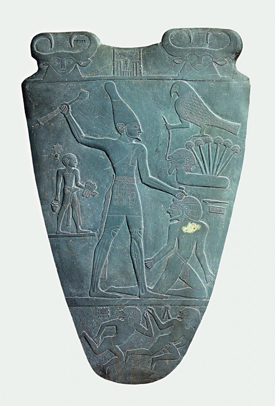 Narmer_Palette_smiting_side.jpg