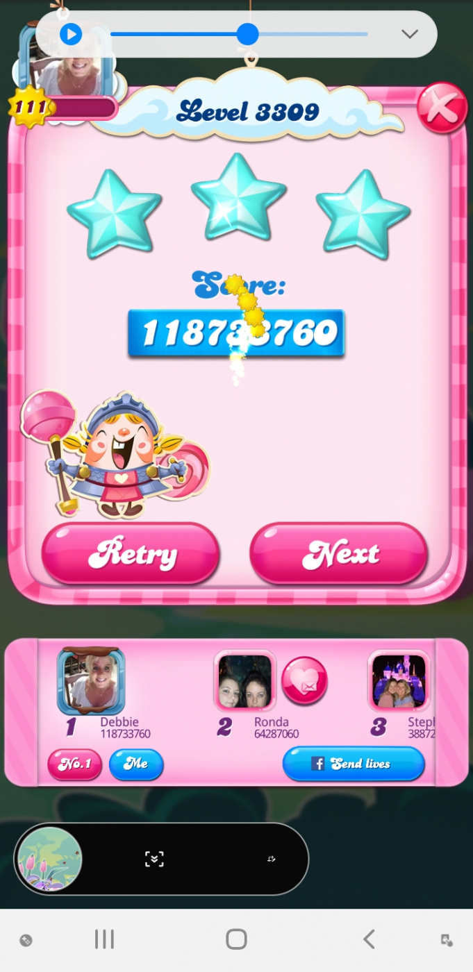 Screenshot_20200406-091915_Candy Crush Saga.jpg