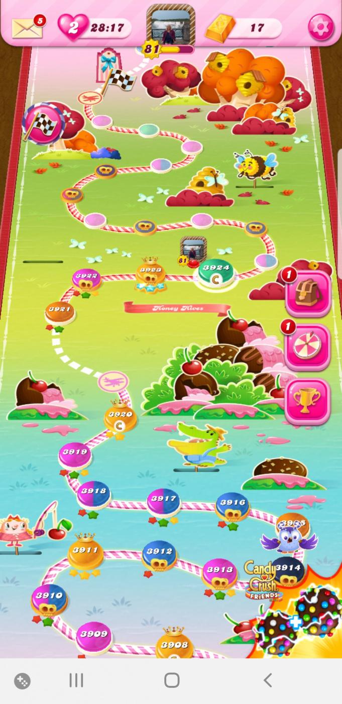 Screenshot_20200212-214528_Candy Crush Saga.jpg