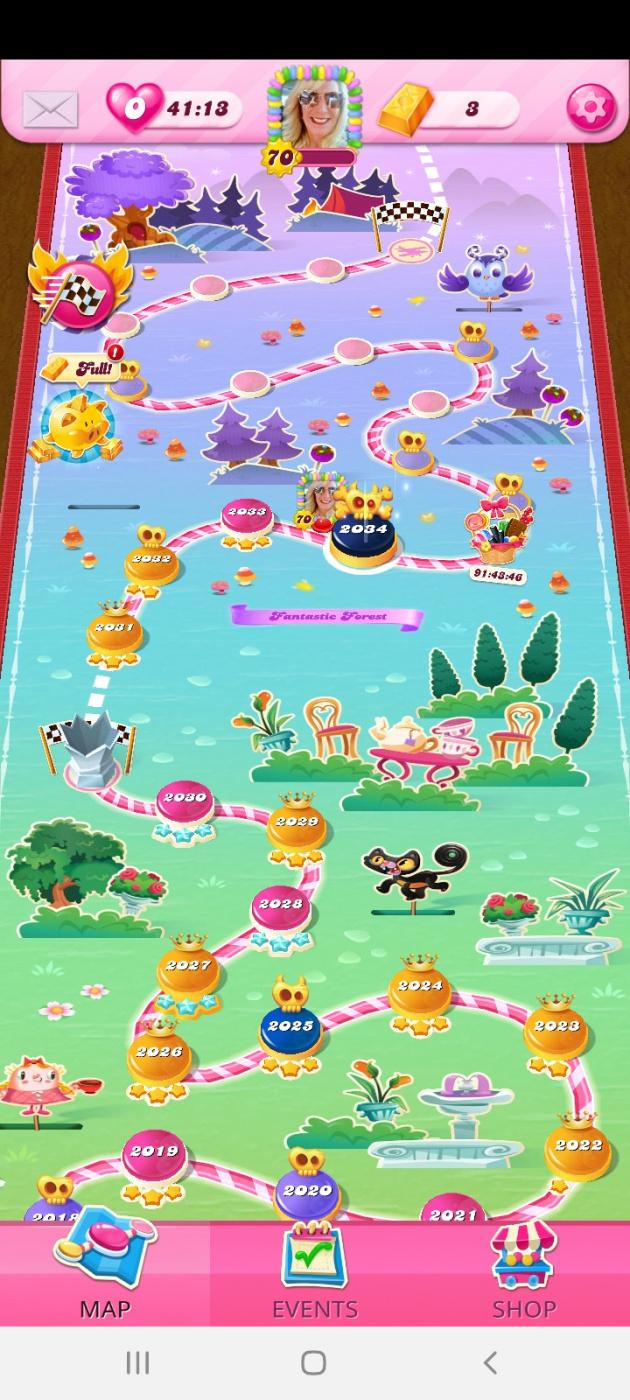 Screenshot_20210415-091615_Candy Crush Saga.jpg