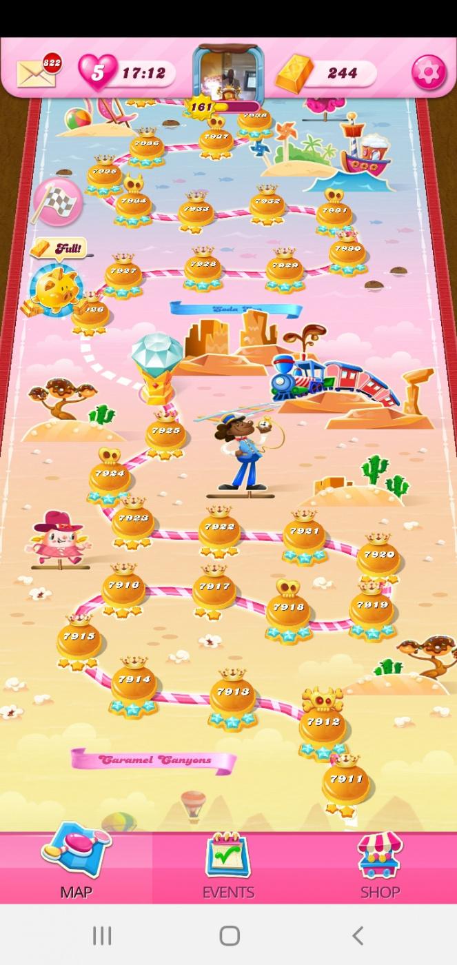 Screenshot_20201015-051718_Candy Crush Saga.jpg