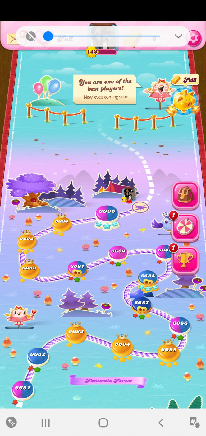 Screenshot_20200407-112559_Candy Crush Saga.jpg