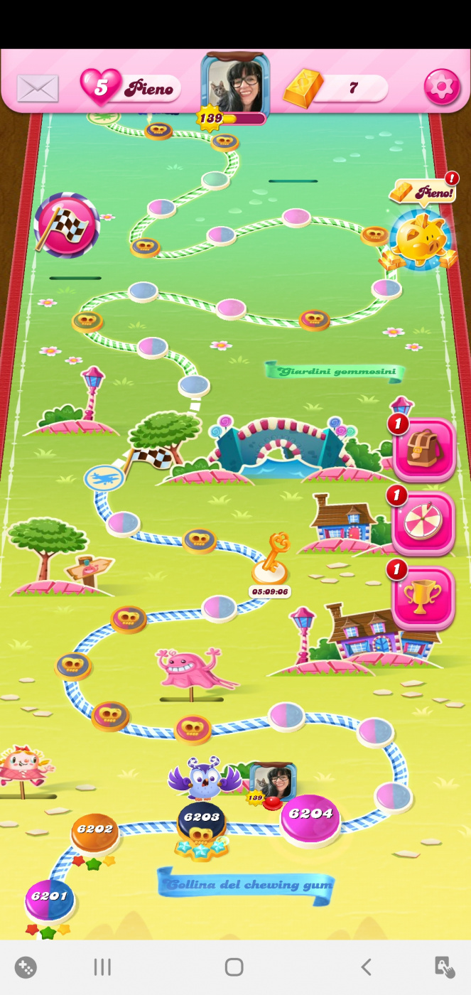 Screenshot_20200426-093516_Candy Crush Saga.jpg