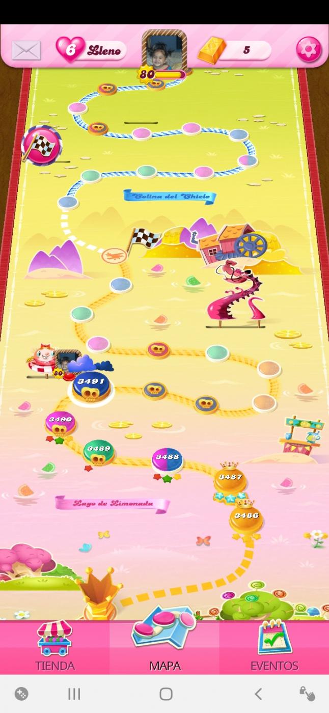 Screenshot_20200601-224933_Candy Crush Saga.jpg