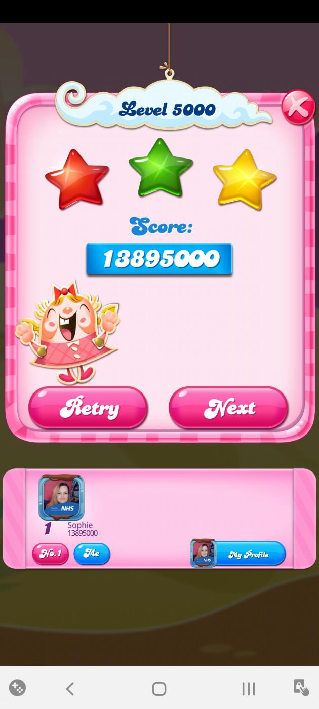 Screenshot_20200527-014558_Candy Crush Saga.jpg
