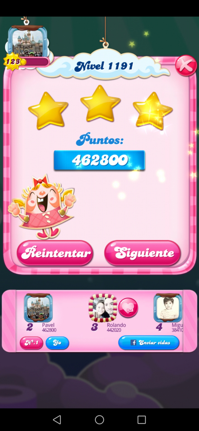 Screenshot_20200616_072331_com.king.candycrushsaga.jpg