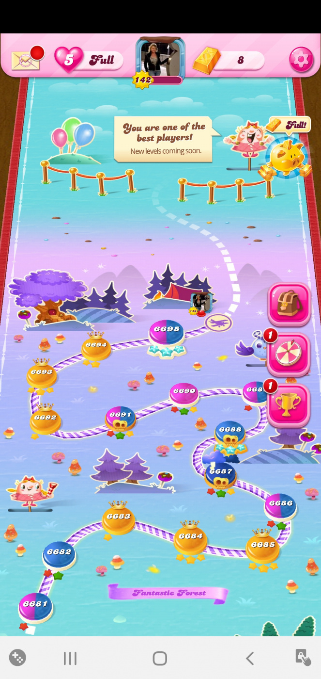 Screenshot_20200407-114419_Candy Crush Saga.jpg