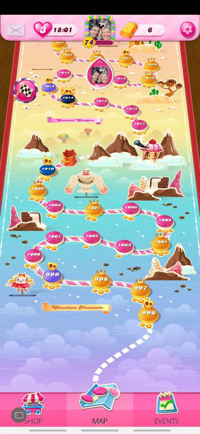 Screenshot_20200602-195727_Candy Crush Saga.jpg