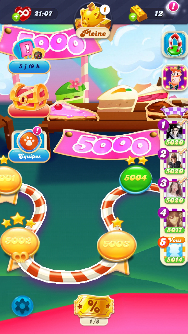 Screenshot_20200708-224453_Candy Crush Soda.jpg