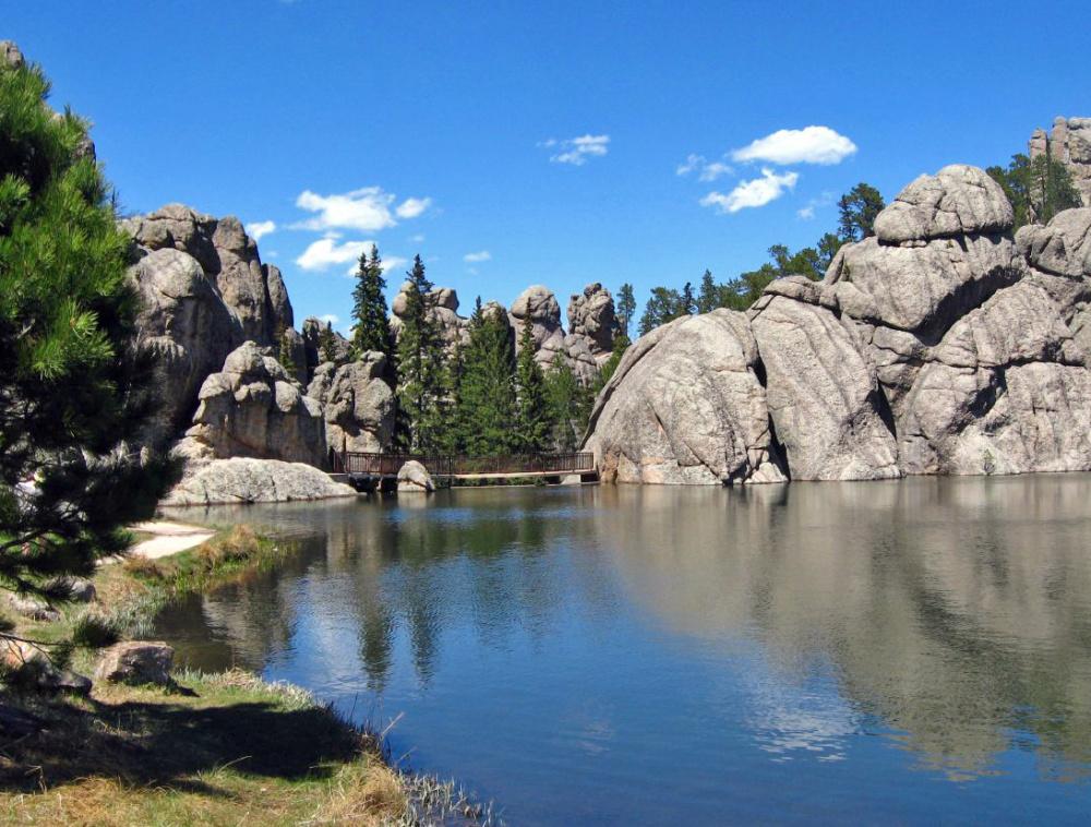 Sylvan_Lake,_SD.jpg