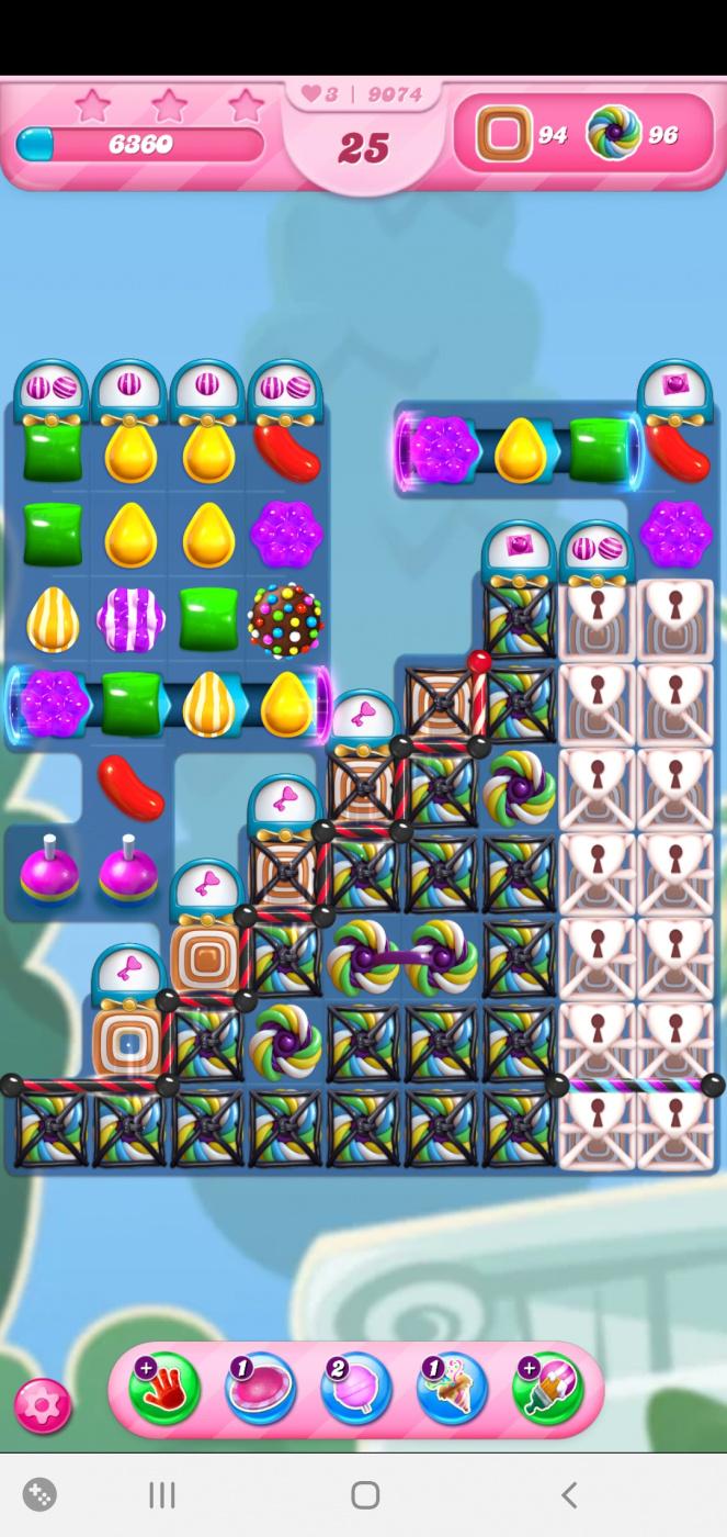 Screenshot_20210414-231925_Candy Crush Saga.jpg