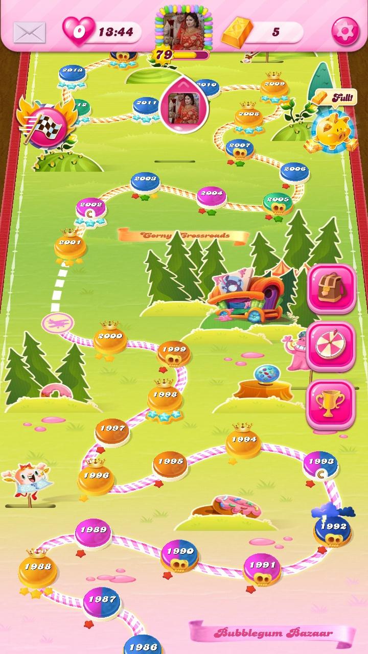 Screenshot_20200307-131609_Candy Crush Saga.jpg