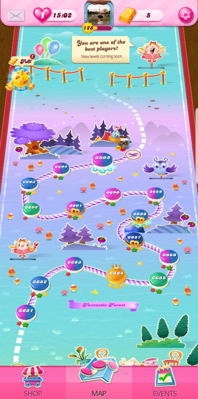 Screenshot_20200407-140000_Candy Crush Saga.jpg