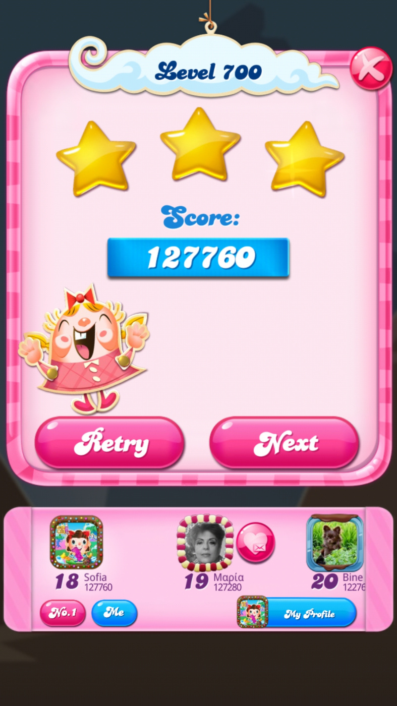 Screenshot_20200508-020437_Candy Crush Saga.jpg