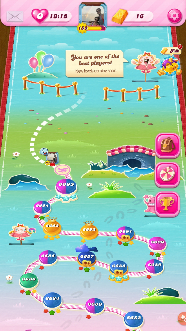 Screenshot_20200406-215943_Candy Crush Saga.jpg