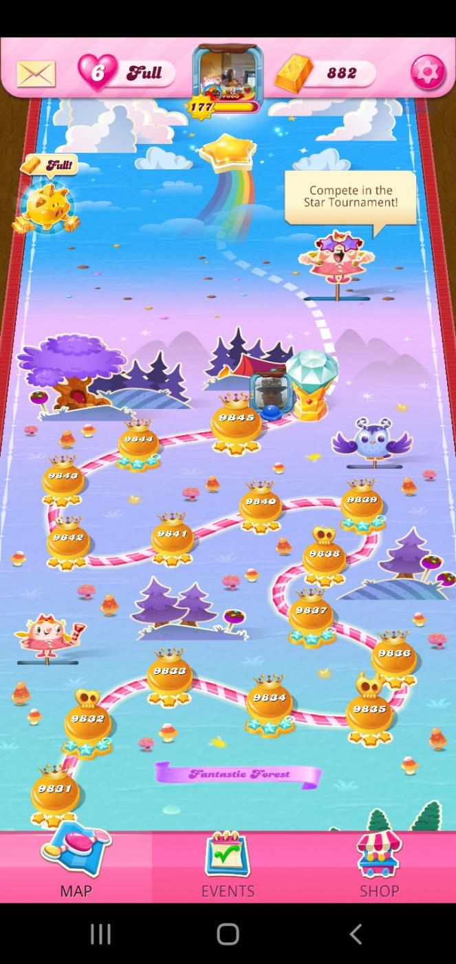 Screenshot_20210802-003715_Candy Crush Saga.jpg