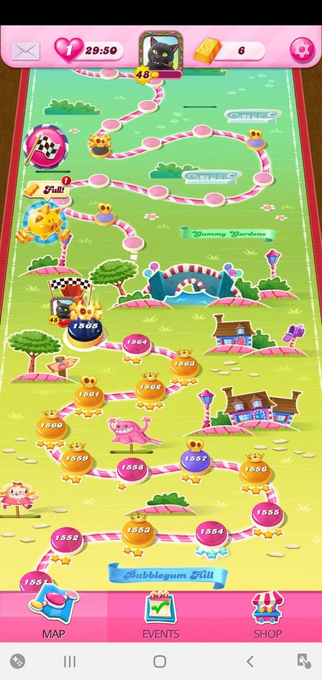 Screenshot_20201012-103304_Candy Crush Saga.jpg