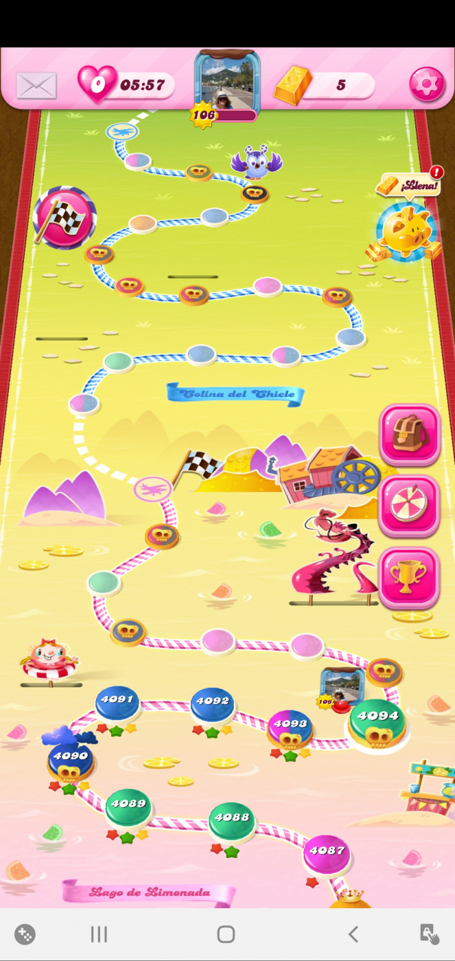 Screenshot_20200527-205722_Candy Crush Saga.jpg