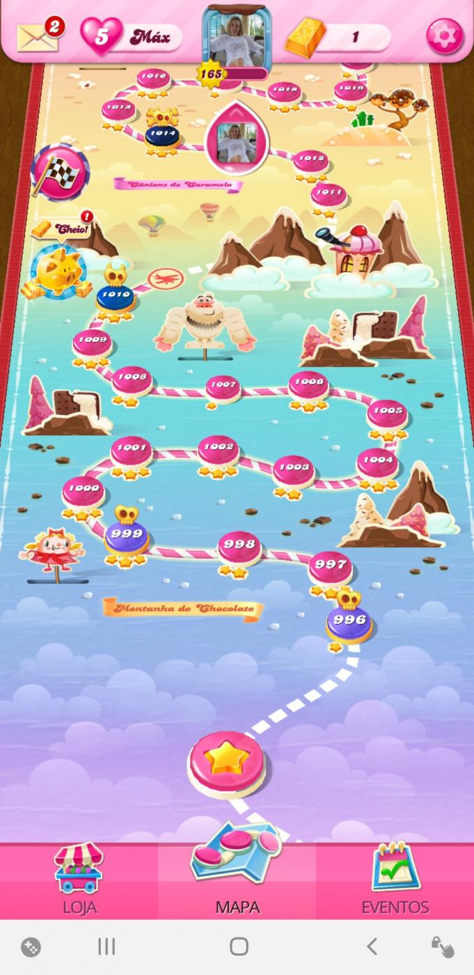 Screenshot_20200724-045546_Candy Crush Saga.jpg