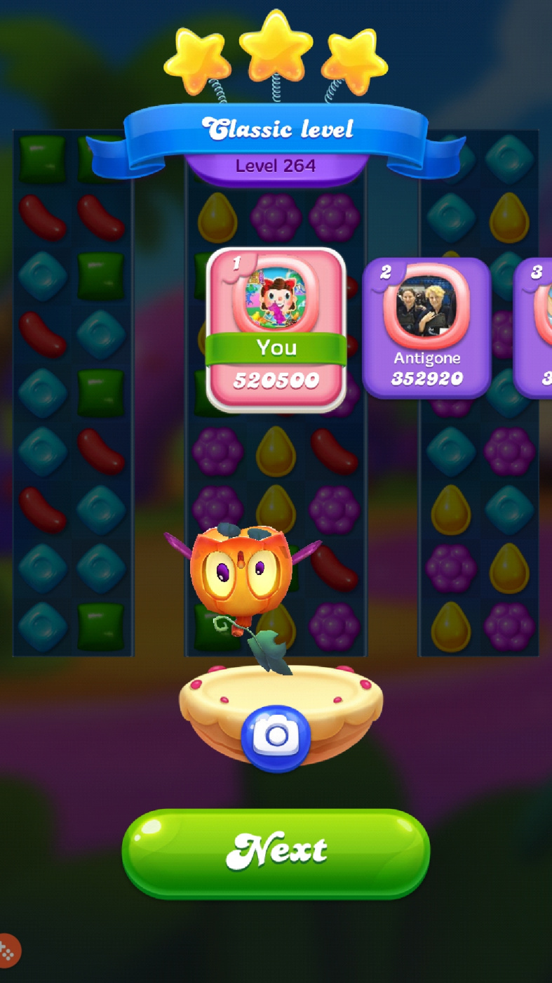 Screenshot_20191031-021642_Candy Crush Friends.jpg