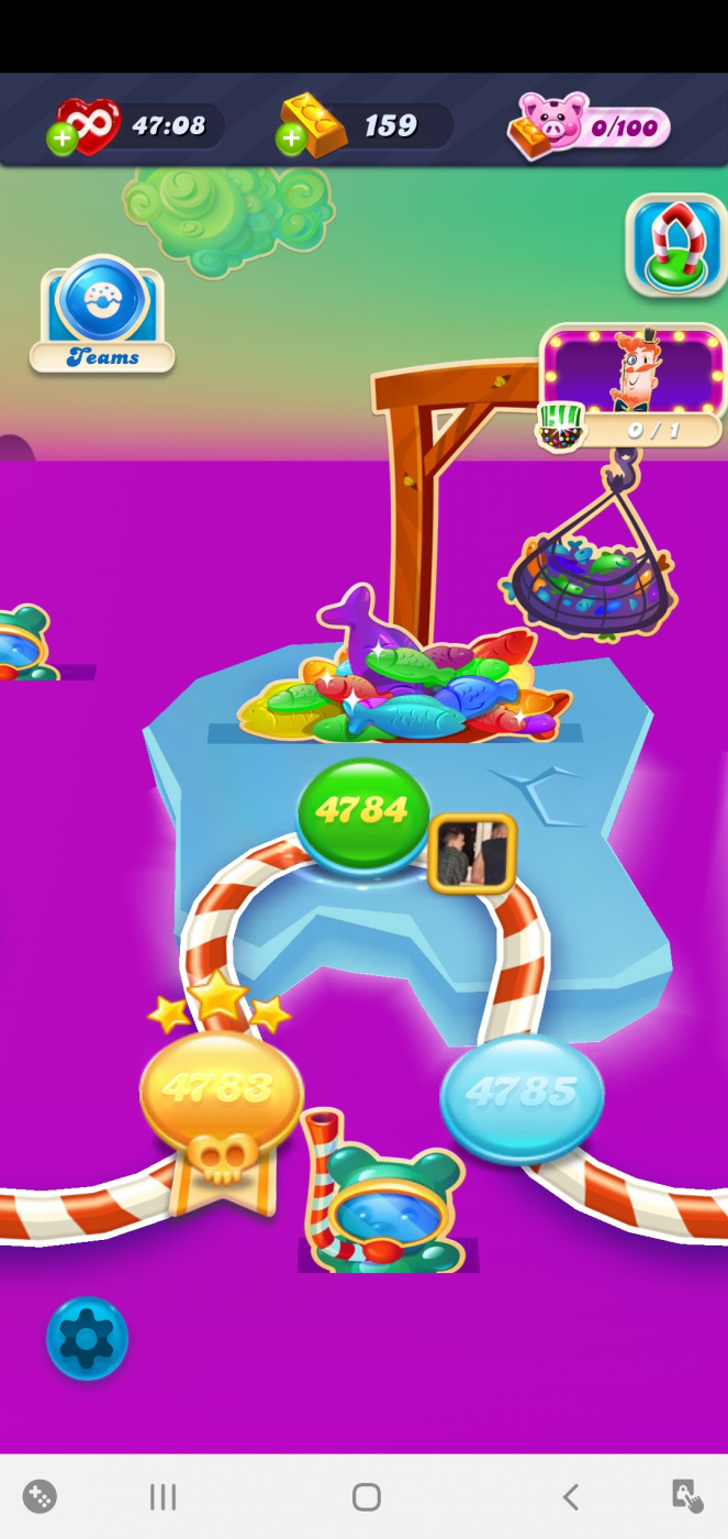Screenshot_20200524-095346_Candy Crush Soda.jpg