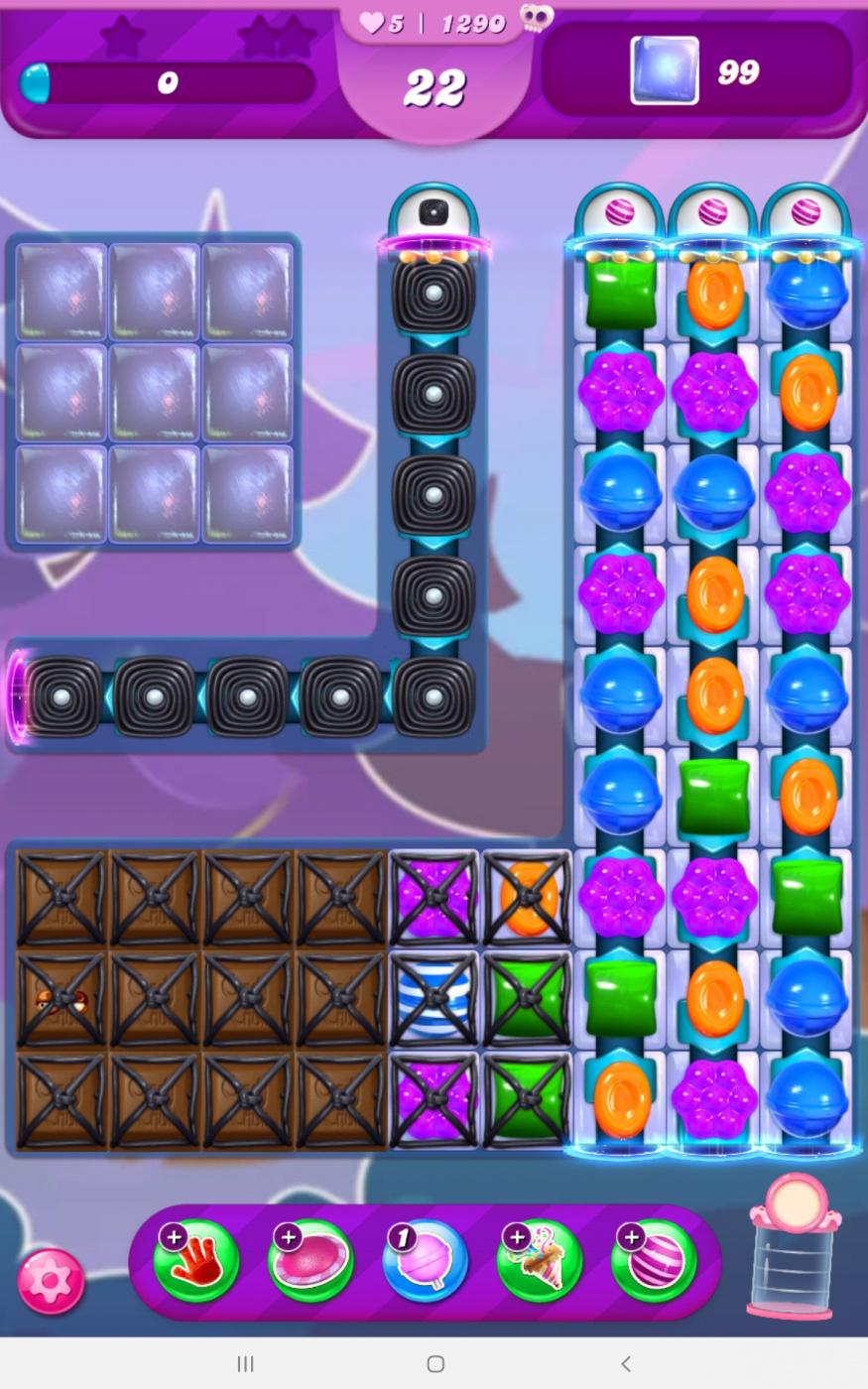 Screenshot_20210405-120007_Candy Crush Saga.jpg
