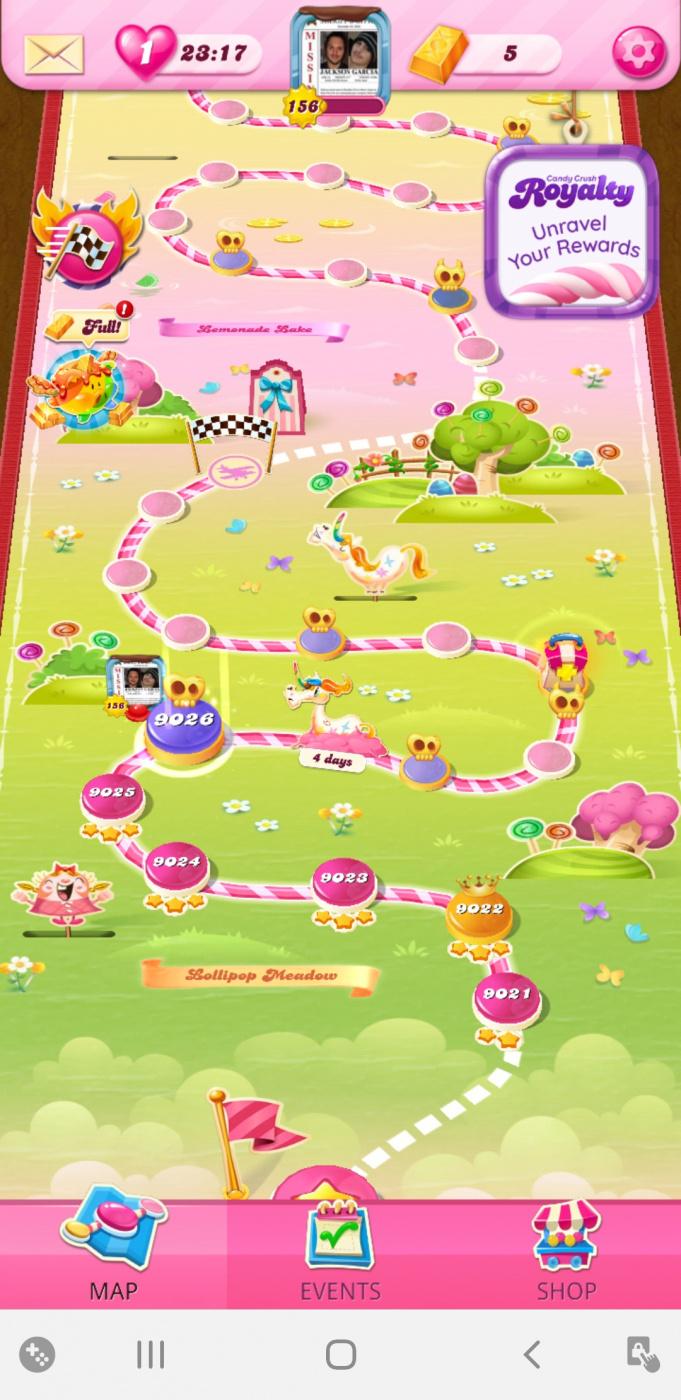 Screenshot_20210729-081132_Candy Crush Saga.jpg