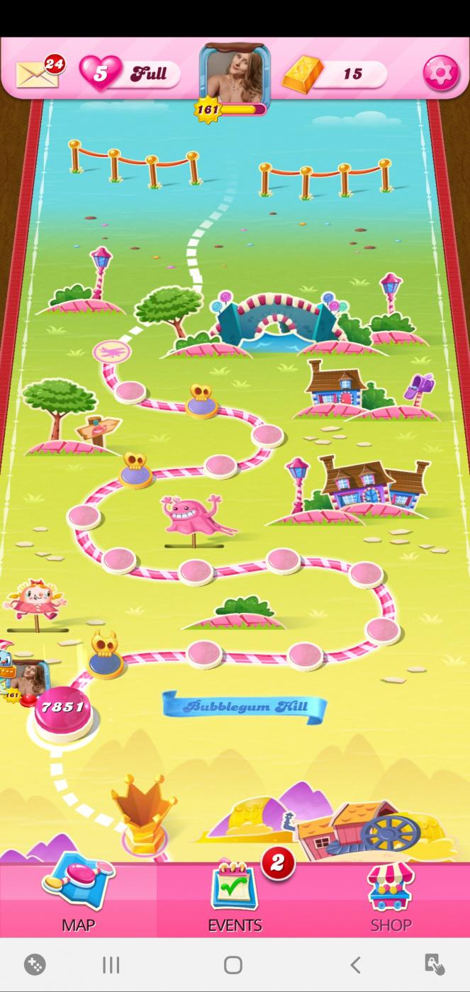 Screenshot_20201004-100341_Candy Crush Saga.jpg