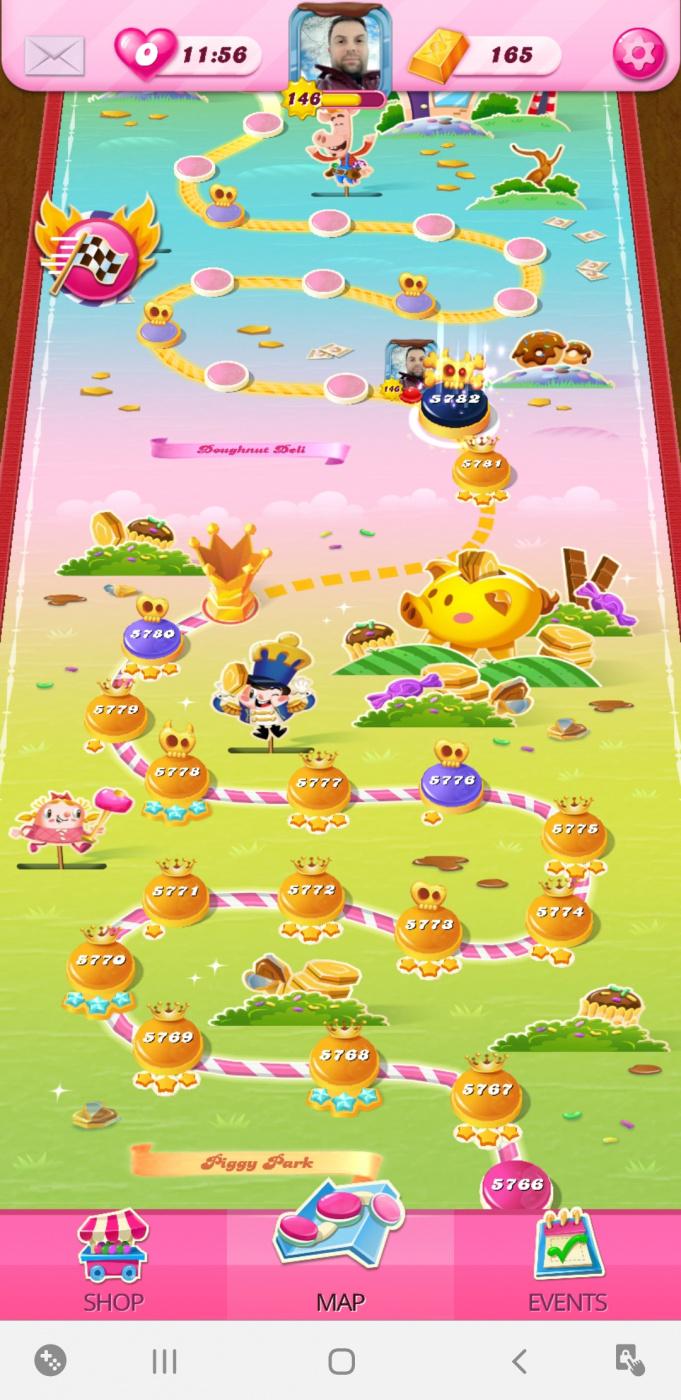 Screenshot_20200504-175759_Candy Crush Saga.jpg