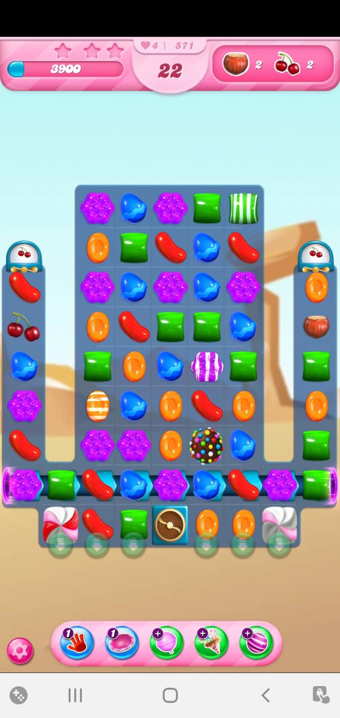 Screenshot_20210417-102527_Candy Crush Saga.jpg
