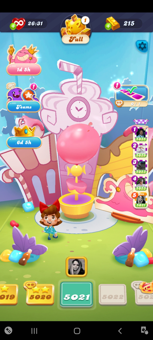Screenshot_20210419-191745_Candy Crush Soda.jpg