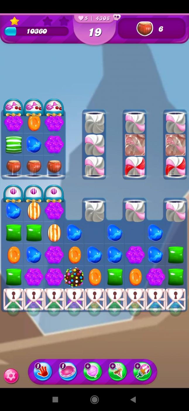 Screenshot_2021-04-14-23-30-11-968_com.king.candycrushsaga.jpg