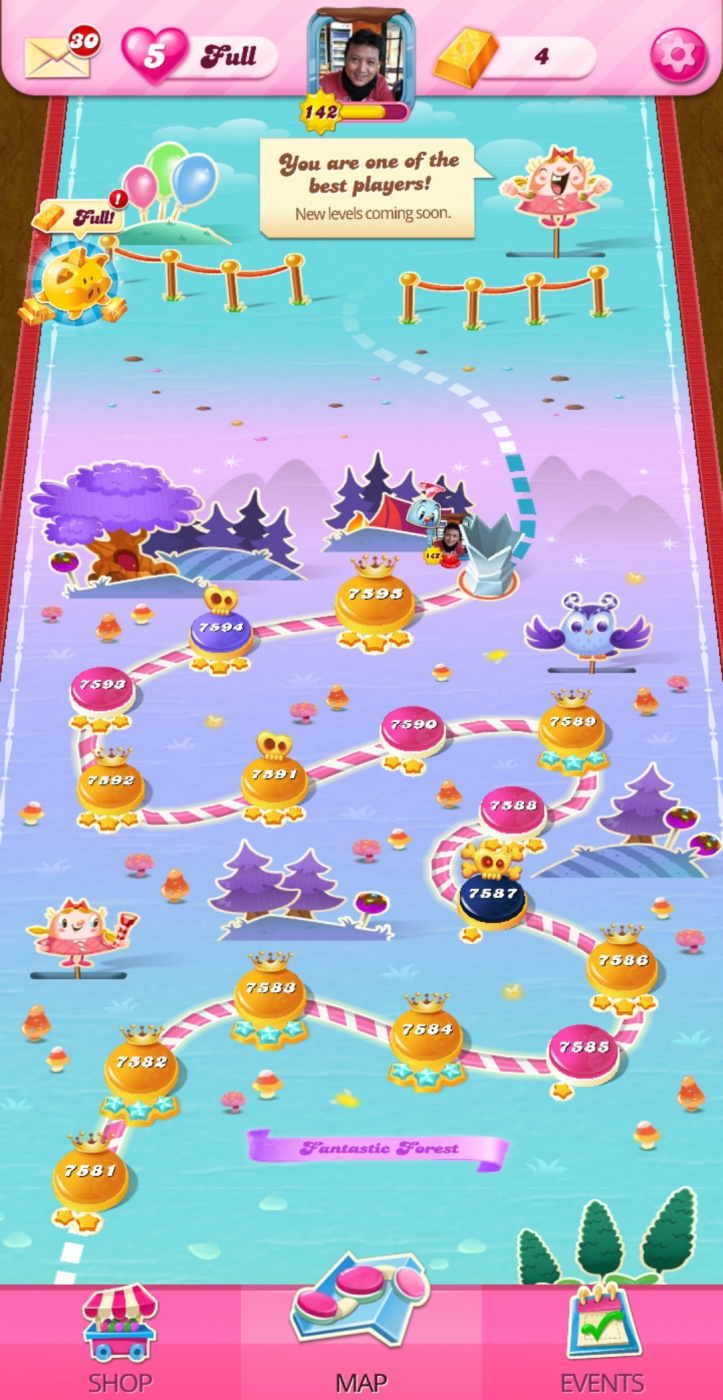 Screenshot_20200822-143007_Candy Crush Saga.jpg