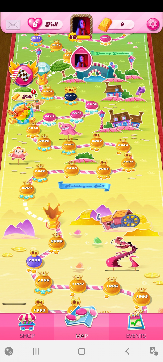 Screenshot_20200531-053240_Candy Crush Saga.jpg