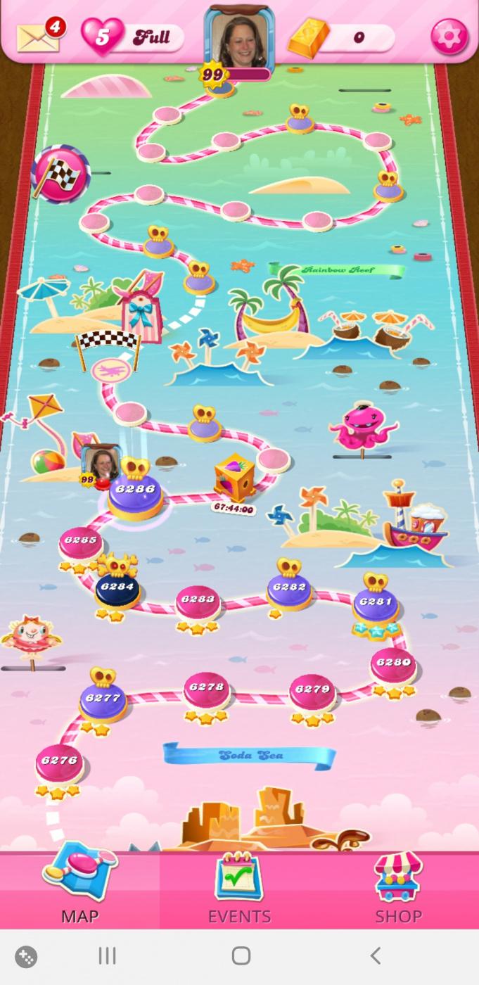 Screenshot_20201113-071601_Candy Crush Saga.jpg