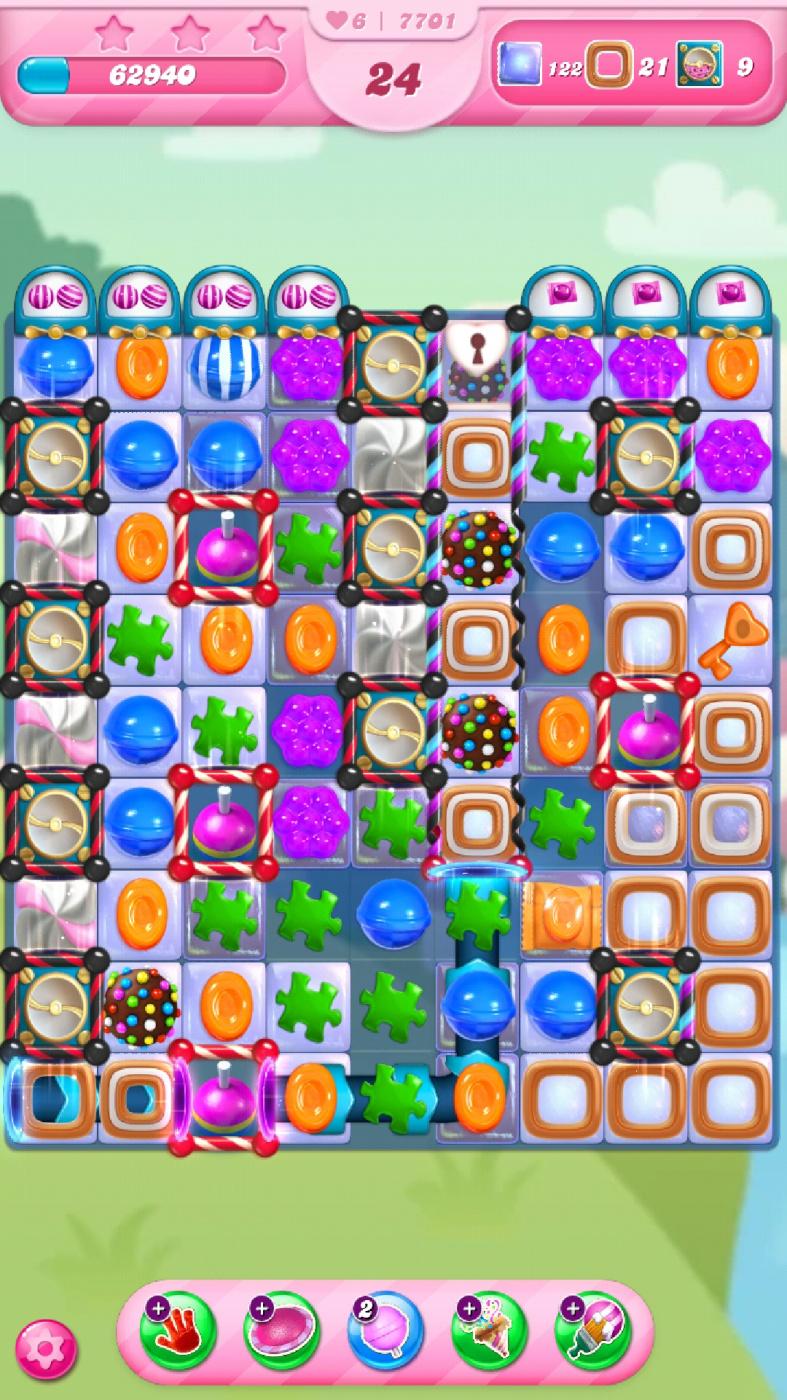 Screenshot_20210616-050141_Candy Crush Saga.jpg