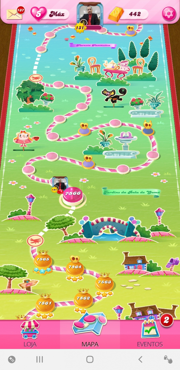 Screenshot_20200828-123901_Candy Crush Saga.jpg