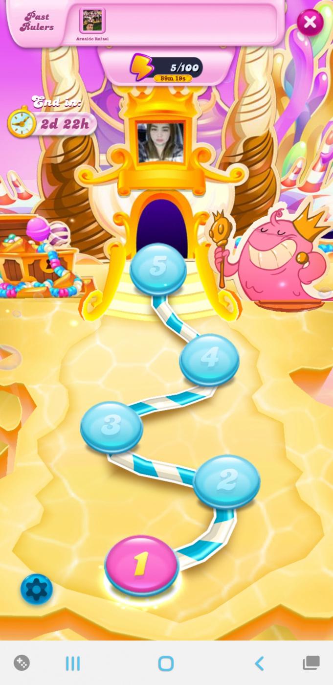 Screenshot_20210424-031155_Candy Crush Soda.jpg