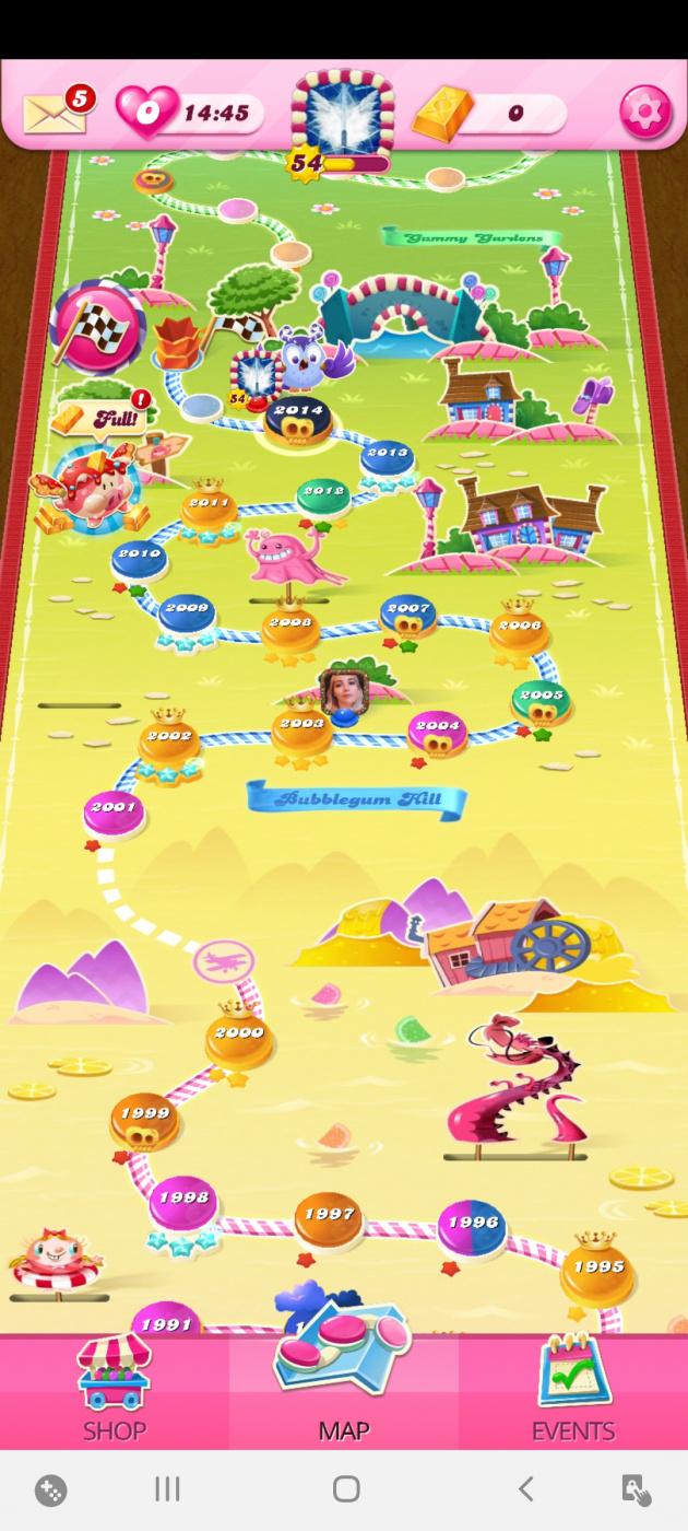 Screenshot_20200531-232319_Candy Crush Saga.jpg