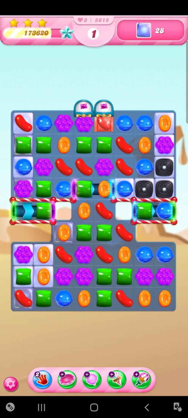 Screenshot_20210420-215024_Candy Crush Saga.jpg