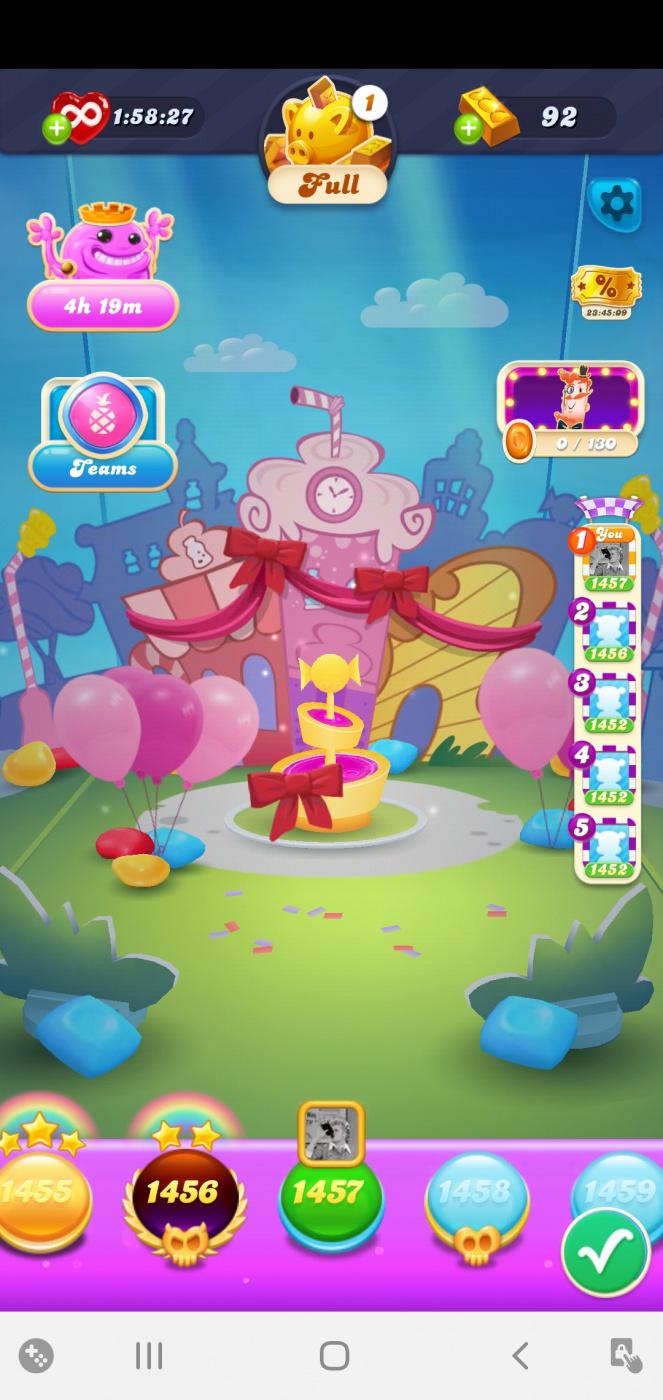 Screenshot_20201021-095315_Candy Crush Soda.jpg