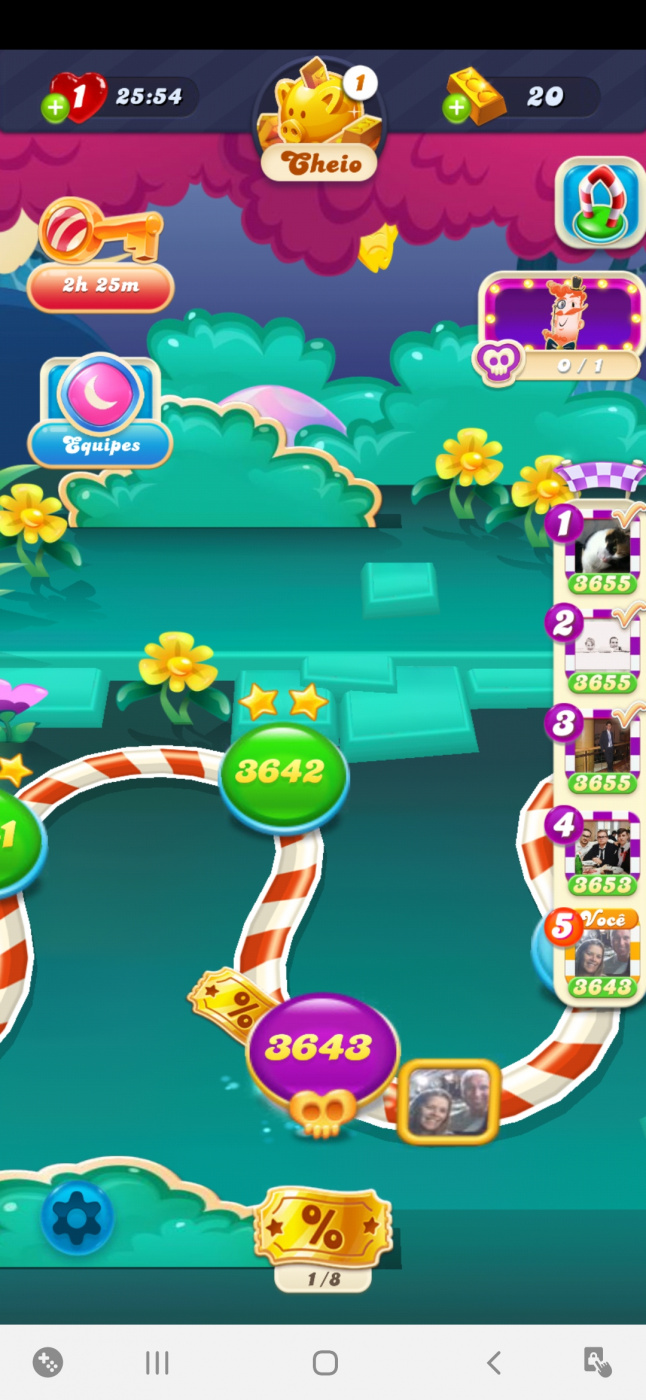 Screenshot_20200824-153333_Candy Crush Soda.jpg
