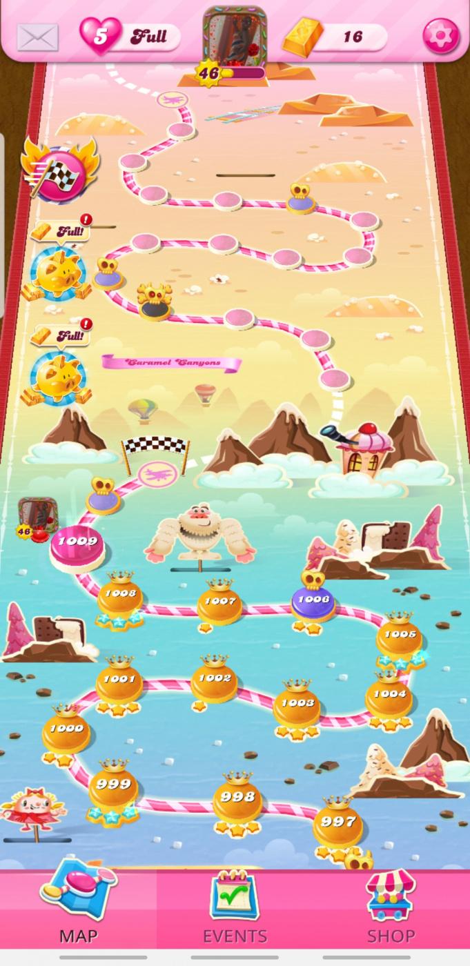 Screenshot_20201126-065334_Candy Crush Saga.jpg
