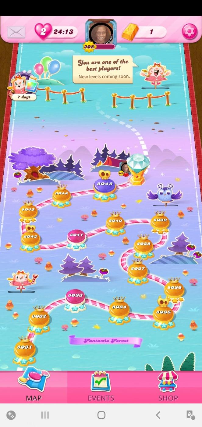 Screenshot_20201103-021046_Candy Crush Saga.jpg