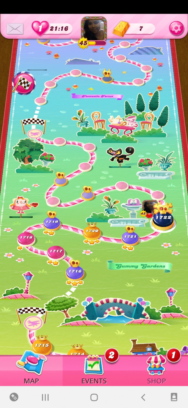 Screenshot_20210414-101940_Candy Crush Saga.jpg